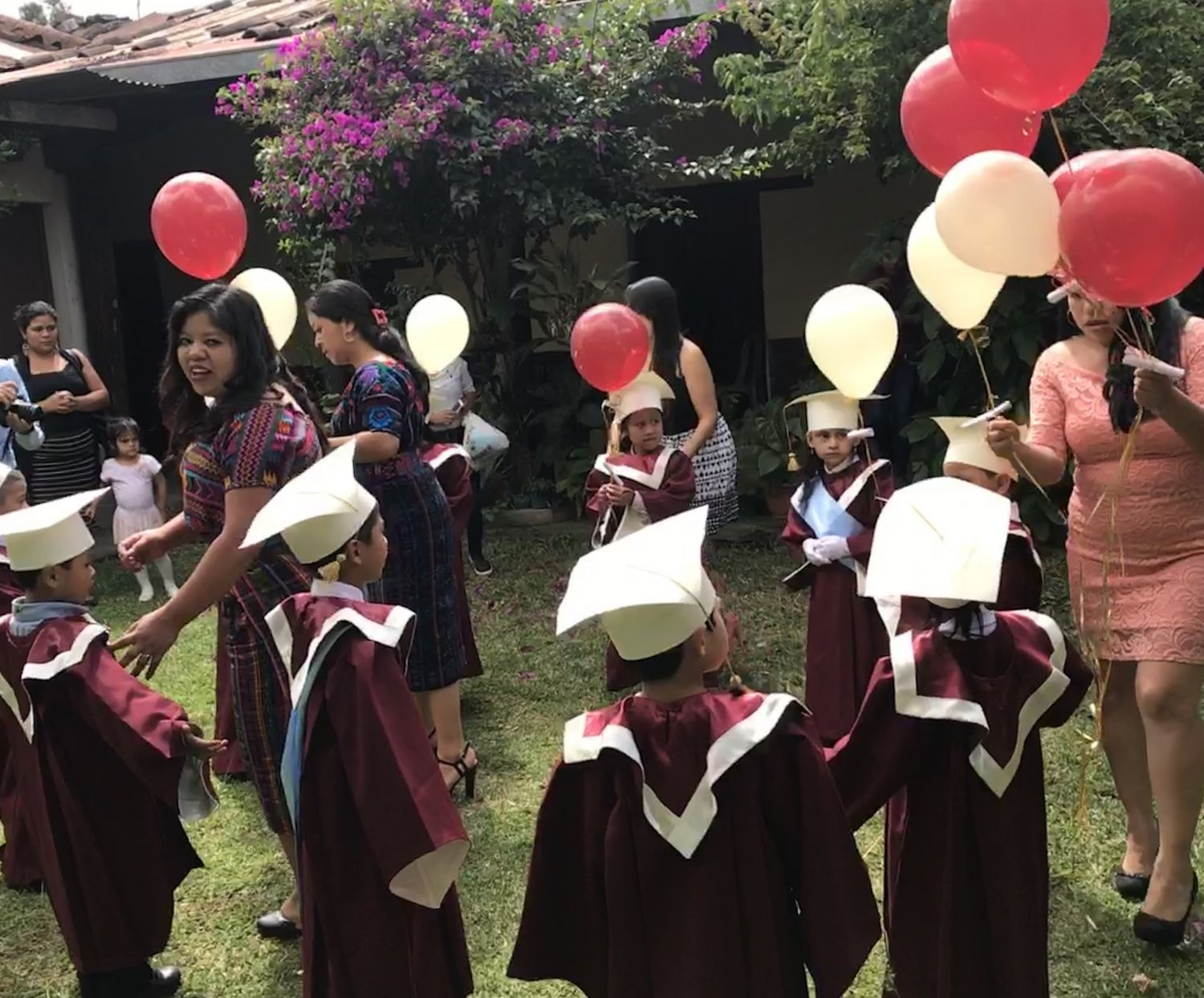 On Wednesday, Nov. 8, 2017, Escuela Integrada celebrated graduations for first and sixth grade. After diplomas were awarded, first grade students released balloons into the sky, each one carrying a small piece of paper with their dreams and wishes for the future.