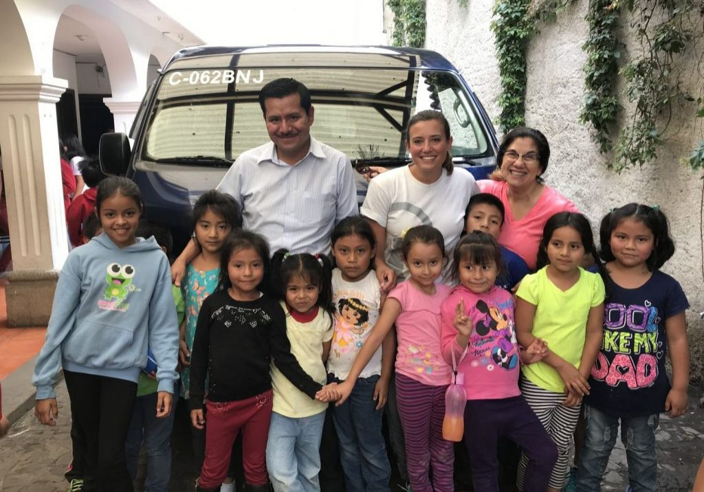 Hernan Garcia brought the new microbus to Escuela Integrada on Wednesday, June 13, for the students and teachers to see. Hannah Nadeau, Paula Bohland and the children at school were very excited to see it.