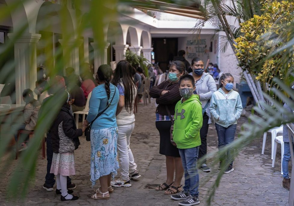 Students and parents participated in enrollment at Escuela Integrada on Wednesday, January 6, 2021. The school year begins this Thursday, January 14, with all students learning at home.